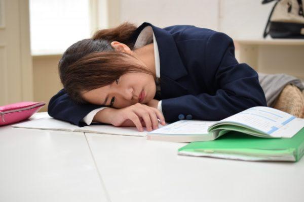 【本人が解説】発達障害で勉強が眠くなる3つの理由と改善方法